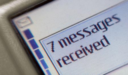 Por qué tus SMS aún importan... y hay quien los quiere leer