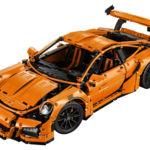 Tardarás un rato en montar las 2.704 piezas del Porsche 911 GT3 RS de Lego