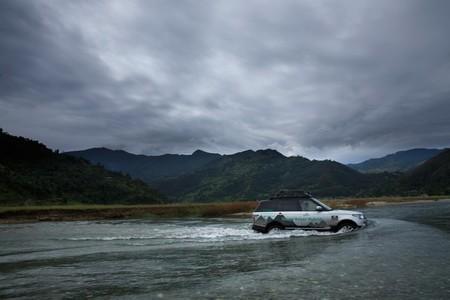 Los Range Rover Híbridos cruzan Nepal cerca de finalizar la Ruta de la Seda