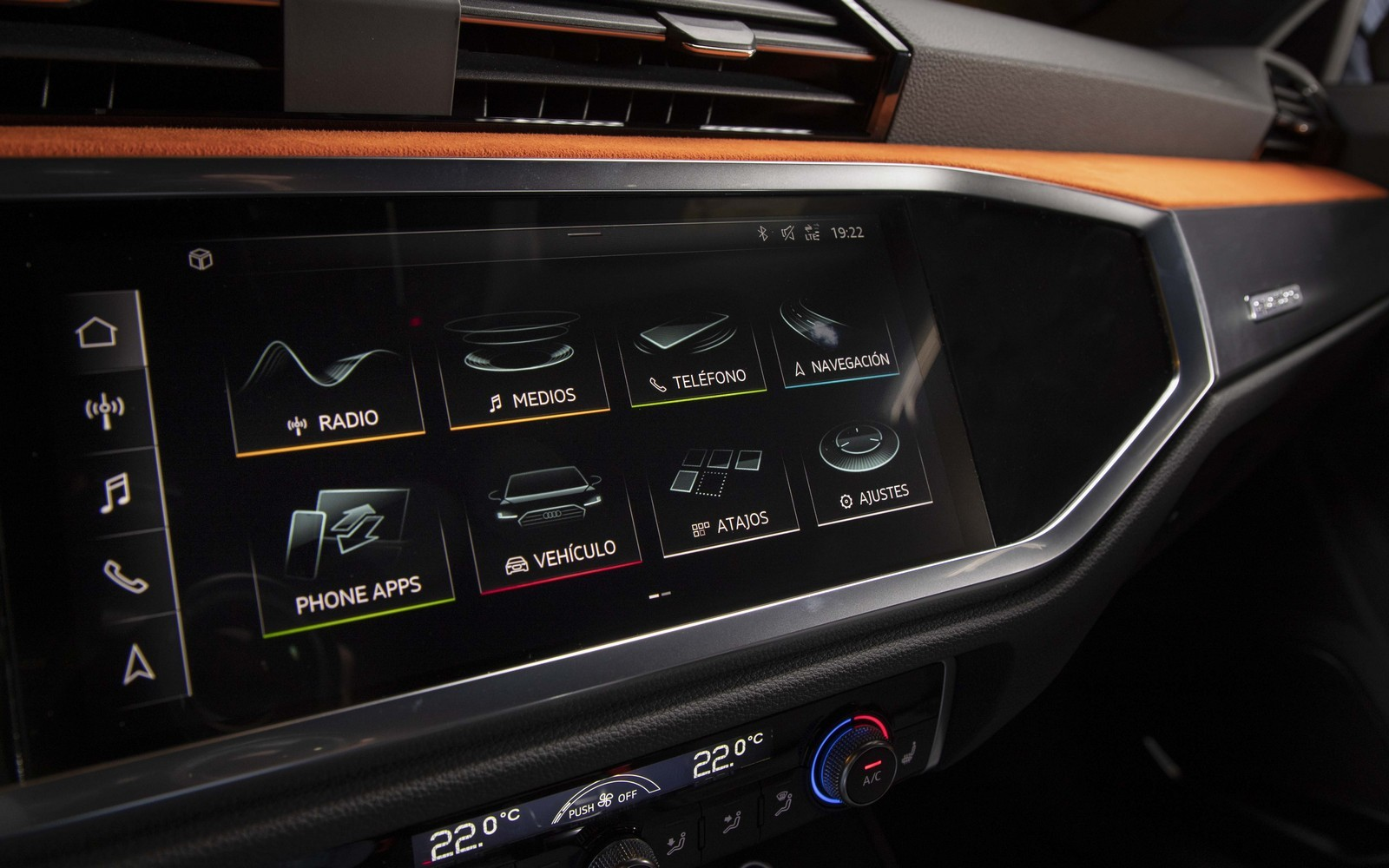 Foto de Audi Q3 2019 (16/50)