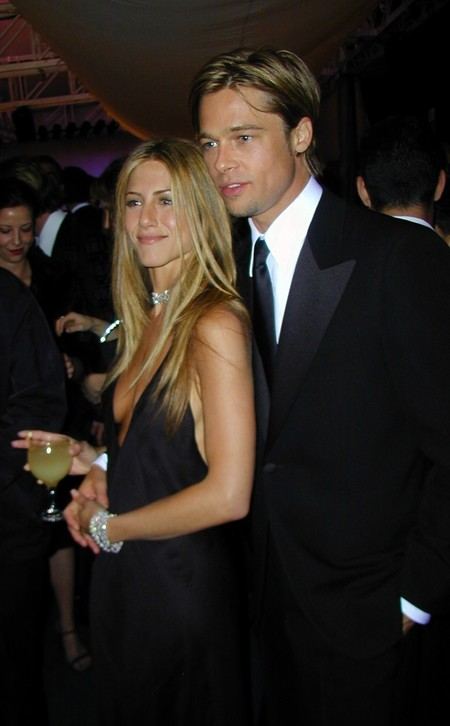 Brad Pitt pide perdón a Jennifer Aniston