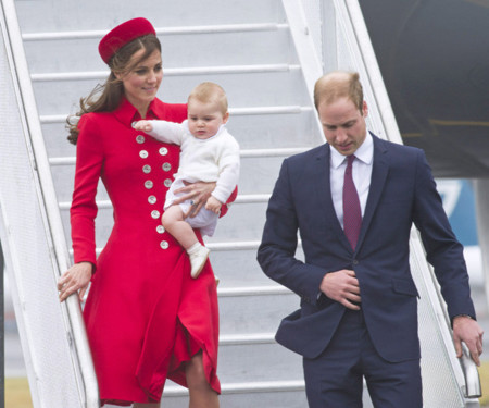 Kate Middleton es la Lady Di moderna (radiante en el rojo de Catherine Walker)