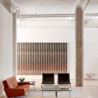 NAHARRO inaugura sala de exposiciones en Madrid con exhibición de Poul Kjaerholm