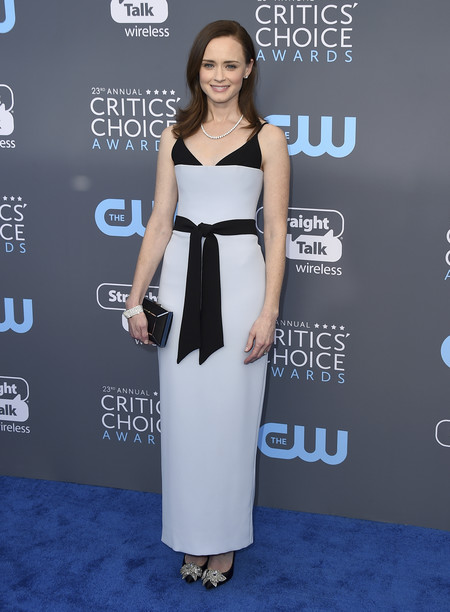alexis bledel critics choice awards alfombra roja
