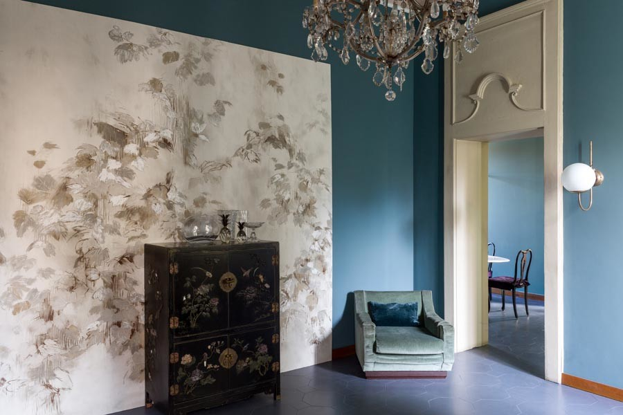 Lizzo une decoración y arte con su nueva colección de paneles creados por la artista italiana Elena Carozzi