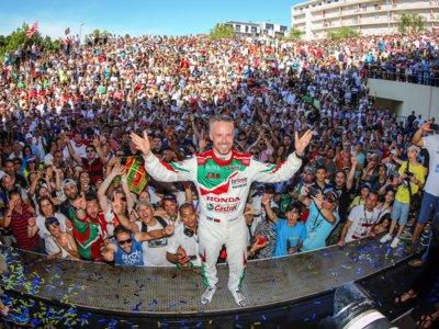 Tiago Monteiro, un ídolo de masas en su tierra