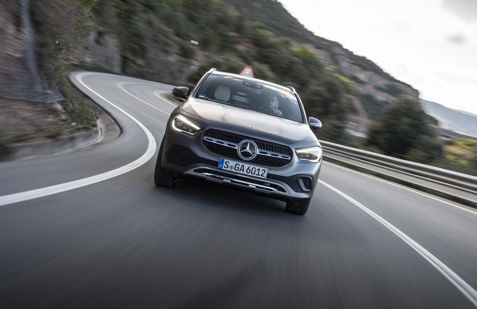 Foto de Mercedes-Benz GLA 2021 (16/103)