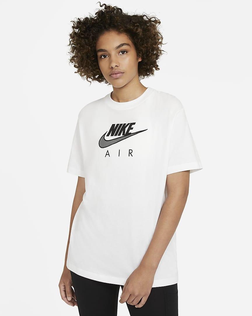 Camiseta Nike oversize en manga corta