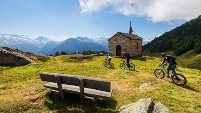 Nueve rutas para recorrer Suiza en bicicleta