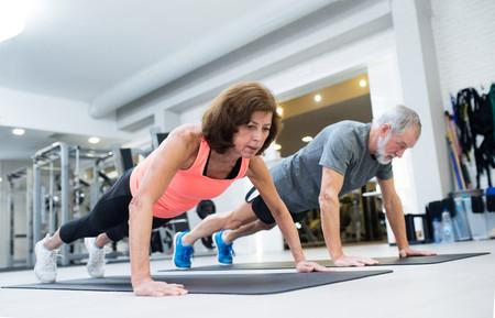 130 gramos de proteína al día y entrenamiento de fuerza: las claves para ganar en salud a partir de los 40