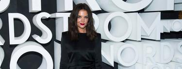 Katie Holmes nos recuerda que el vestido de satén (en blanco o negro) es ideal para crear un look de fiesta