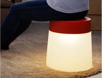 Así es la lampara LED de Ikea para embellecer nuestro salón, pero que también funcionará como taburete