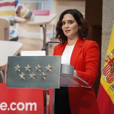 Madrid promete a los hosteleros tratar de priorizar la vacunación de camareros y otros trabajadores altamente expuestos al contagio