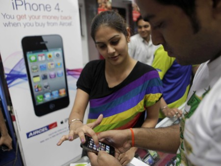 Apple Reportedly Has A Radical New Plan For India Its Going To Sell The Iphone 4 At A Low Price