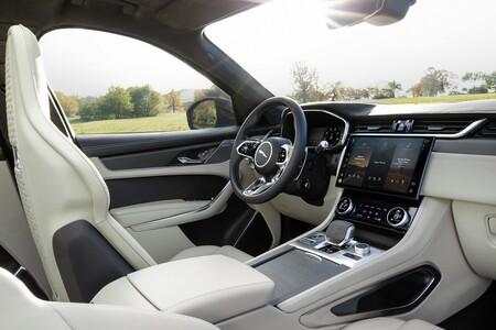 Jaguar F Pace Svr 2021 019