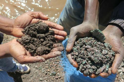 A por el oro azul: la guerra del cobalto ya no es solo cuestión de los grandes fabricantes de teléfonos o coches