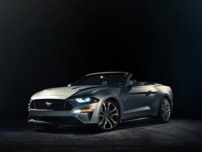 El Ford Mustang Convertible 2017 se renueva con la misma receta del coupé