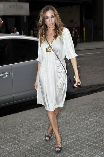 Sarah Jessica Parker adicta a los vestidos que lleva Carrie Bradshaw...¿te apuntas?