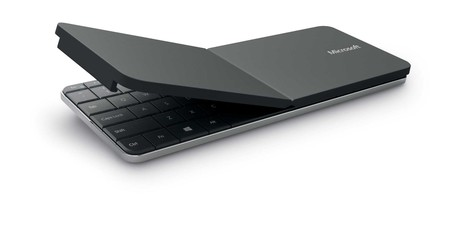 Teclado Bluetooth Microsoft Wedge Mobile Keyboard, con soporte para tablet, por 29,99 euros