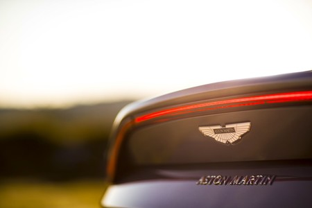 Aston Martin sale al rescate del DTM y anuncia entrada en 2019