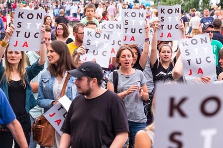 Fecundación in vitro sólo para parejas heterosexuales: el drama de las mujeres solteras en Polonia