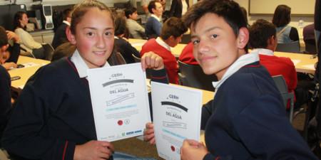 La liga del agua, un emprendimiento educativo colombiano que busca crear conciencia en los jóvenes