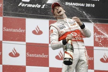 Jenson Button vence en un loco Gran Premio de China