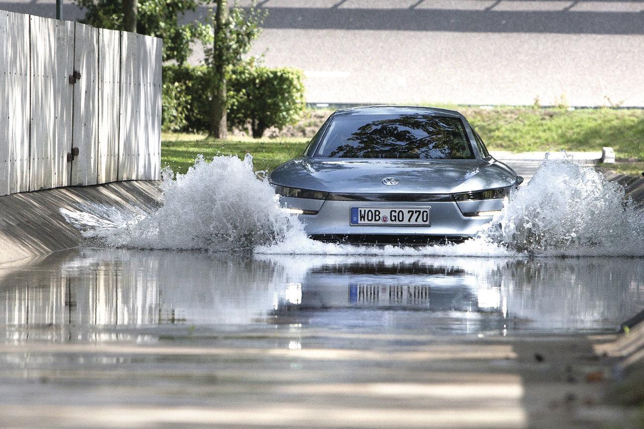 Foto de Volkswagen XL1 2013 (36/49)