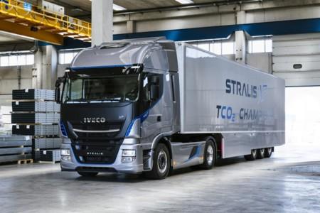 La compañía Transordizia apuesta por el GNL con la compra de 20 camiones Iveco Stralis NP