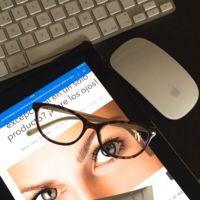 ¿Asidua a la vida digital? Anota estos tips para que tus ojos y mirada descansen, y brillen como se merecen