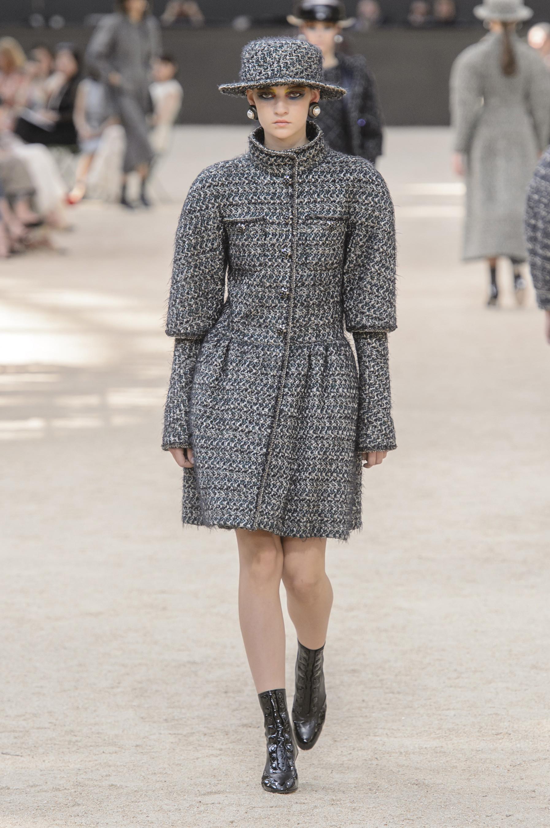 Foto de Chanel Alta Costura Otoño 2017 (3/64)