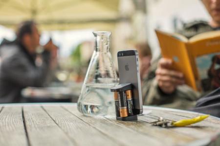 Cargar nuestro iPhone con baterías AA puede ser una realidad gracias a Oivo