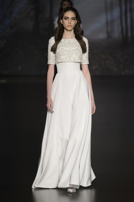 así podría ser el vestido de novia de meghan markle, de la mano de