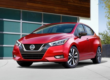 Nissan Versa 2020 1600 01