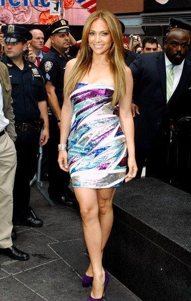 Las lentejuelas y Emilio Pucci están de moda: ahora Jennifer López
