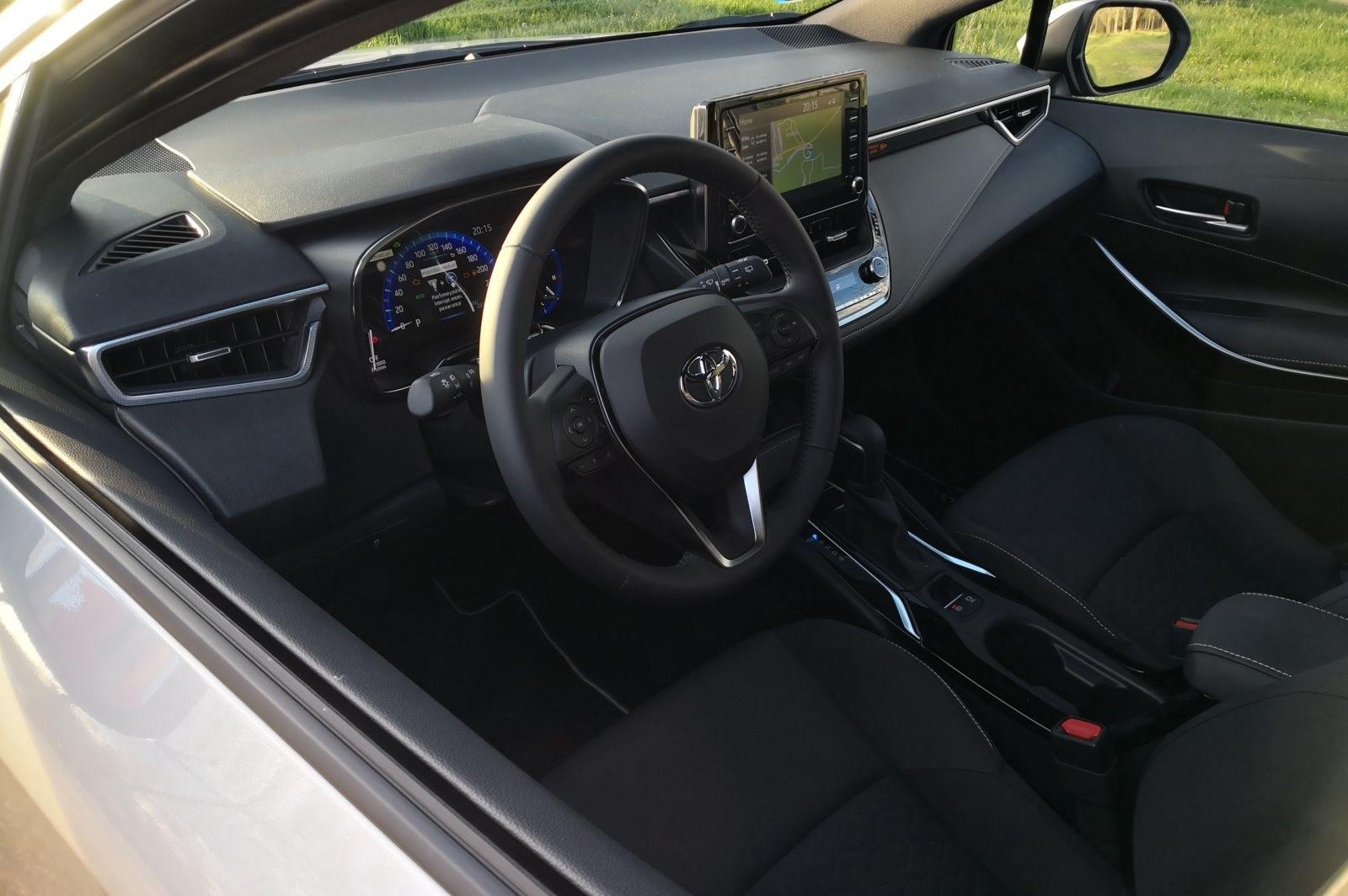 Foto de Toyota Corolla 125H - Imágenes del interior (3/14)