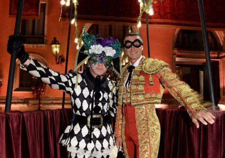 Los Dolce & Gabbana se lo montan por todo lo alto: fiesta de máscaras en Venecia