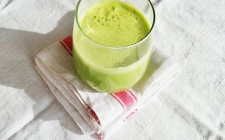 Receta fácil de licuado de uvas verdes y melón. Desintoxicante y nutritivo