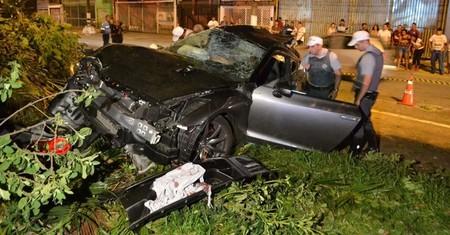 Un Nissan GT-R sufre un grave accidente en Brasil
