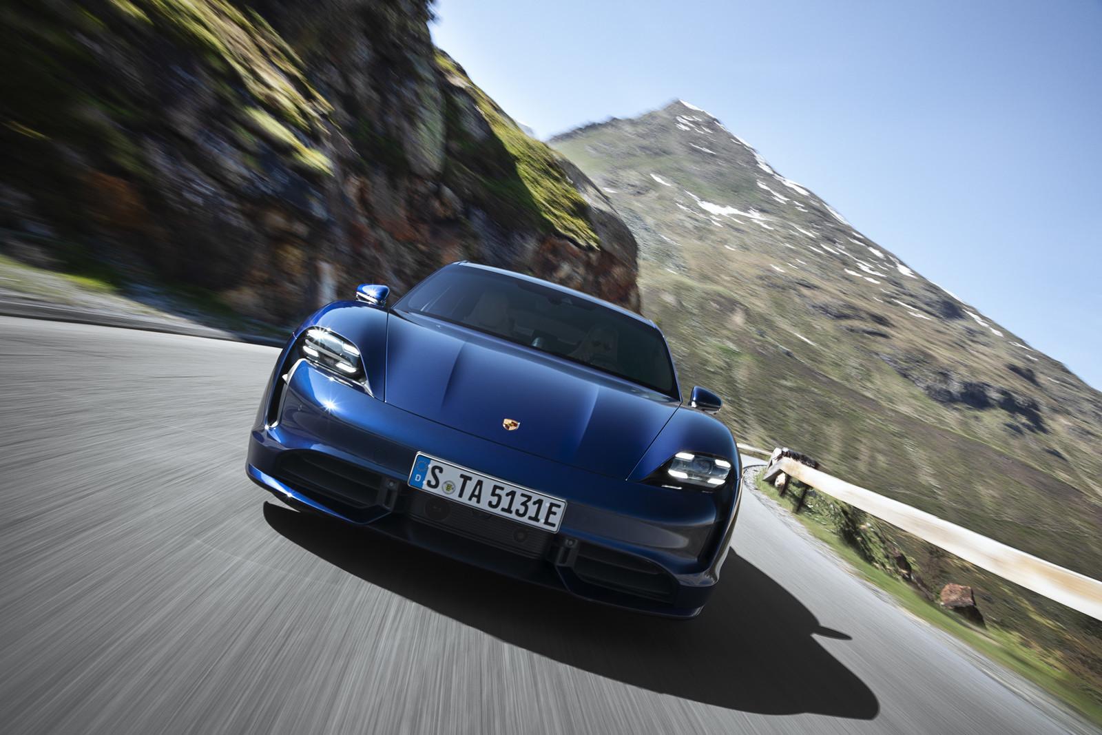 Foto de Porsche Taycan (17/21)