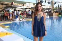 ¿No sabes cómo vestir para ir a la playa/piscina? Pull & Bear y sus celebrities nos aportan ideas