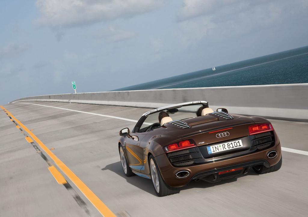Foto de Audi R8 Spyder (78/88)