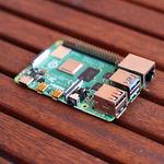 La Raspberry Pi 4 de 2 GB baja a 35 dólares: es más barata y 40 veces más potente que la RPi 1 cuando salió