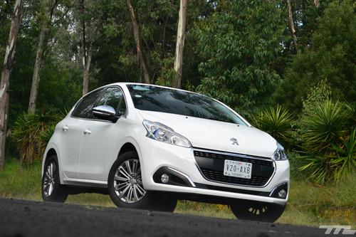 Peugeot 208 PureTech, a prueba:su motor es el mejor del mundo ¿Y lo demás?