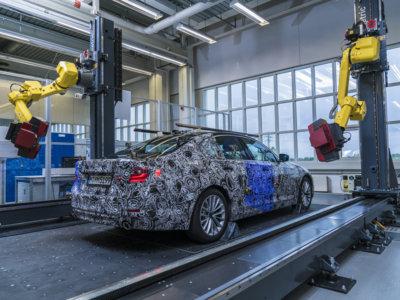 Esta es la primera imagen oficial del próximo BMW Serie 5 y te contamos por qué nos lo enseñan