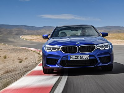 El nuevo BMW M5 es una bestia que se devora los 100 km/h en 3.4 segundos