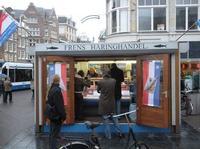 En Ámsterdam, prueba los arenques frescos