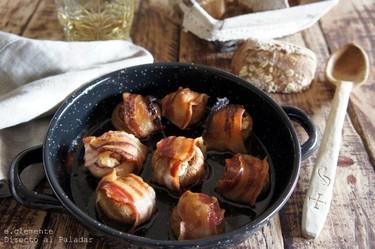 Champiñones con tocino, nueces y queso de La Peral. Receta