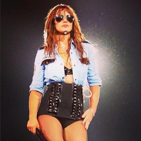 Cuidadito Britney Spears, que tocas mucho las narices