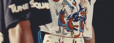 No hace falta jugar al baloncesto para desear la nueva colección cápsula de Pull&Bear x Space Jam